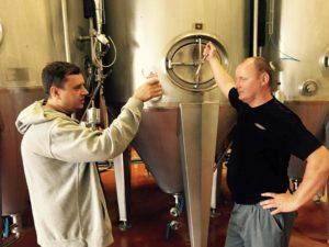 Maroš Hajduk alias Padre z remeselného kočovného pivovaru Padre Craft Brewes